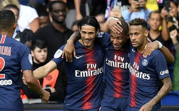 PSJ ardıcıl 3-cü dəfə Fransa çempionu oldu